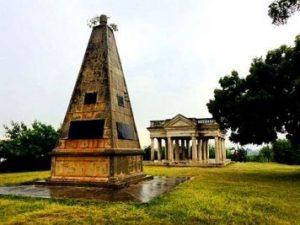 Raymonds obelisk 356x267